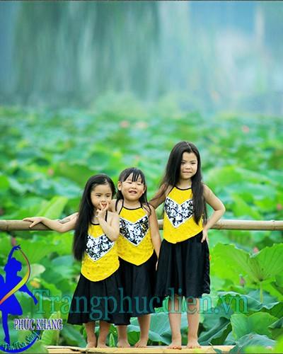 Yếm váy trẻ em
