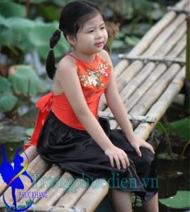 May yếm đụp trẻ em tại Phúc Khang