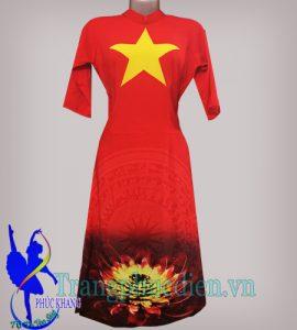 Áo dài cách tân cờ đỏ