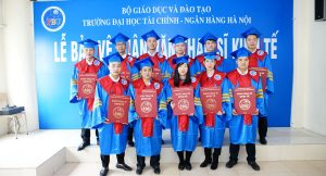 Lễ phục thạc sĩ đại học tài chính ngân hàng