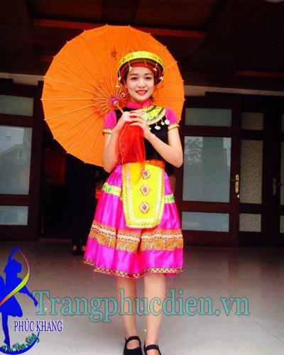 Hmong biểu diễn